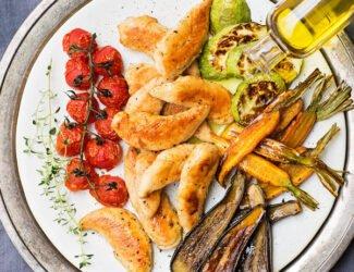 Filezinho de Frango (Sassami) Grelhado com Legumes Assados